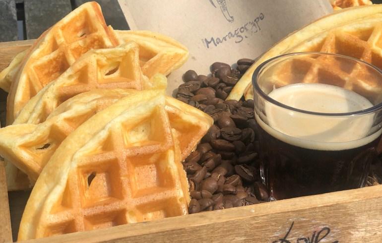 Buttermilch-Kaffee-Waffel