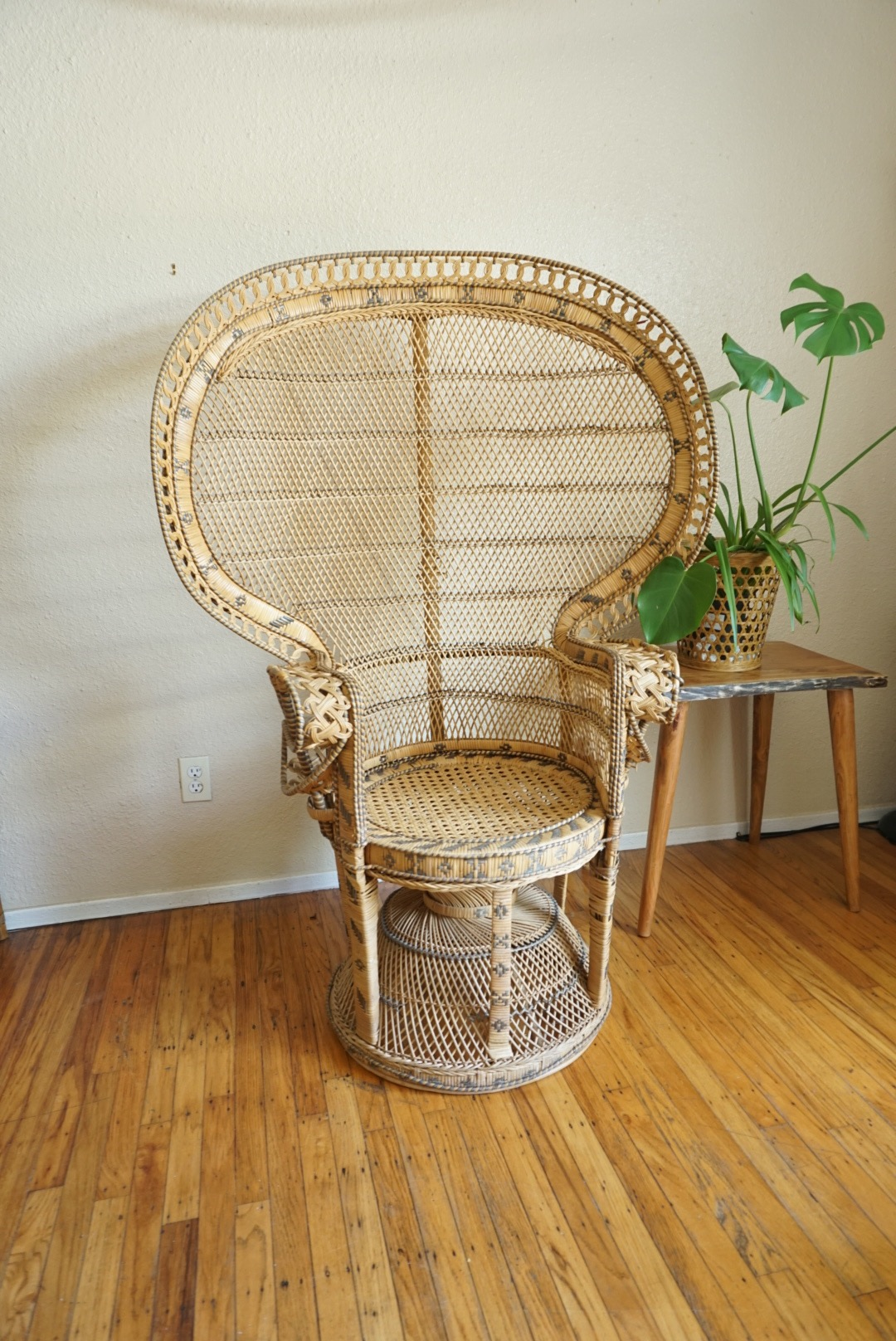 chair rentals sacramento upholstered rocking nursery vintage classic ornate peacock rental