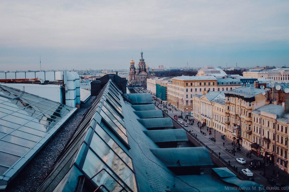 Дом Зингера и офис Вконтакте