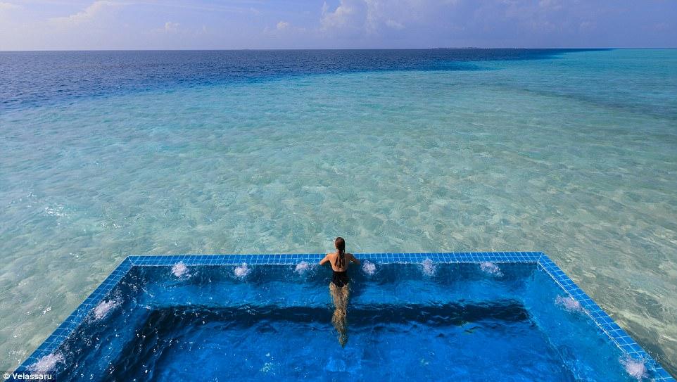 Захватывающий курорт Велассару на Мальдивах