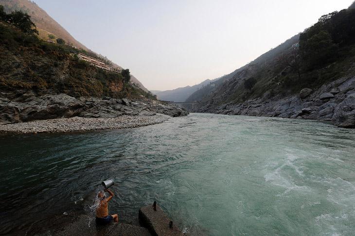 Это место слияния притоков Алакнанда и Бхагиратхи