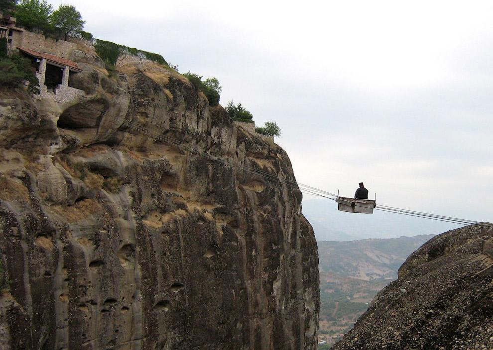 Канатная дорога в один из монастырей