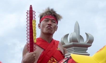 鎖港に新しい神様がやってきた! 貴重な伝統儀式「請王」を見学
