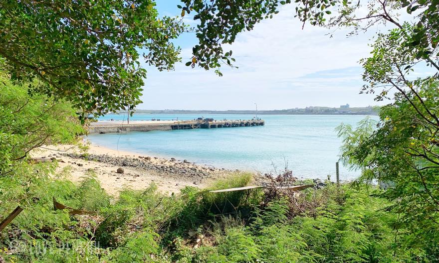 澎湖(ポンフー)の情人道(恋人の道)から見ることができる砂浜
