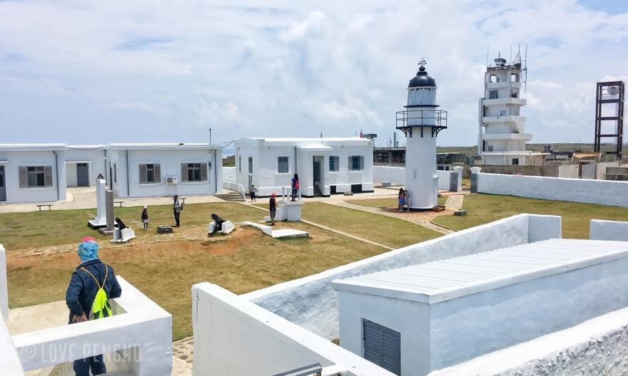 ポンフーの漁翁島燈塔-ラブポンフー