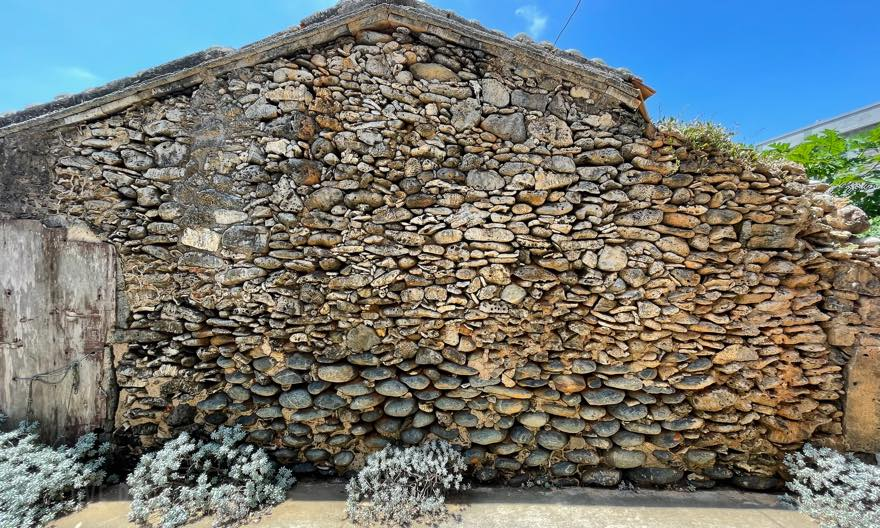 澎湖(ポンフー)でここだけ!◯◯◯の島「花嶼」で見逃せない3スポット、花嶼の伝統的な家屋