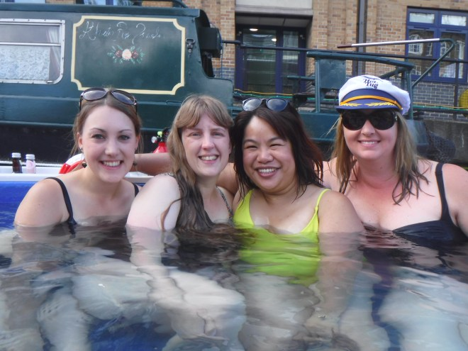 HotTug - me and bloggers