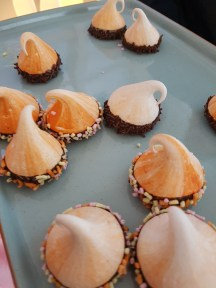 Sprinkles Easy Jet pop up - meringues by The Meringue Girls