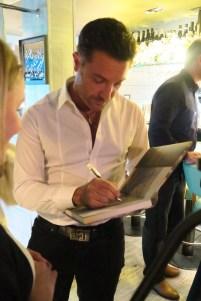 Gino signing