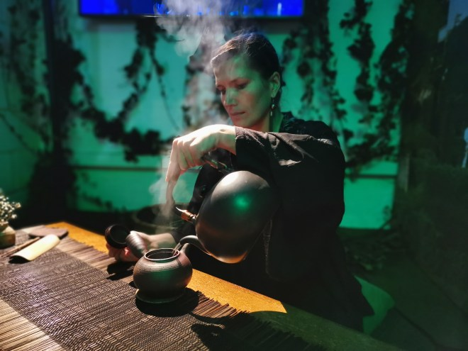 Air China Land of Luck - tea ritual