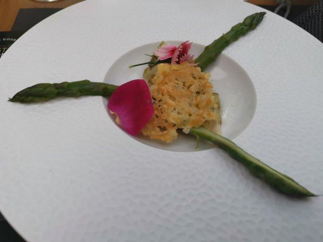 Bustronome asparagus