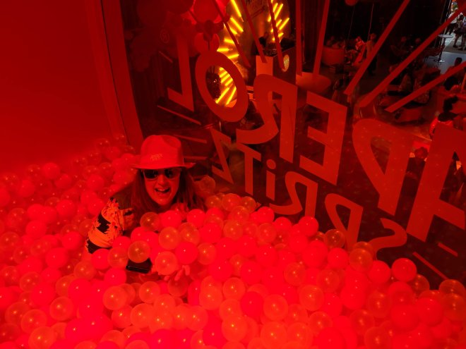 Aperol Spritz me in ball pool