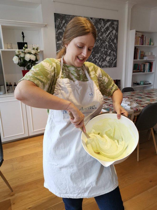 Mauderne Baking Class me folding
