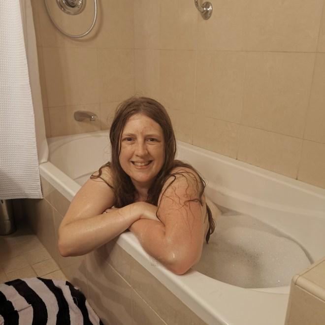 Regal Princess M233 Mini Suite bath