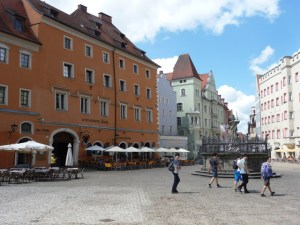 Regensburg walking tour - merchants square b