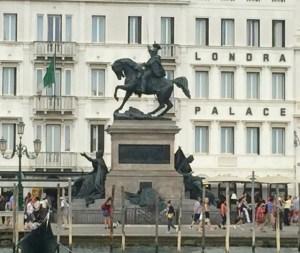 Statue of horses 2