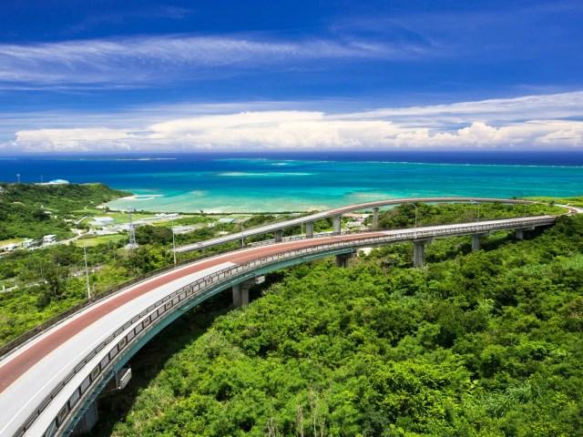 沖縄の絶景・ニライカナイ橋