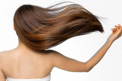 躍動感あるつやのある髪