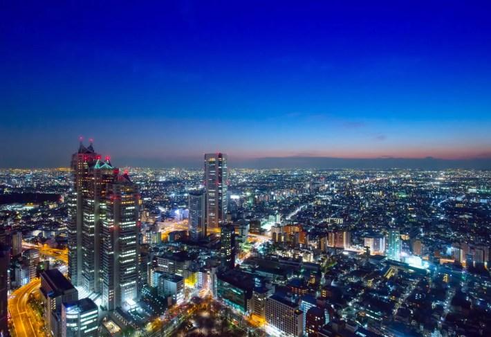 東京の夜景:ホテルディナーのイメージ