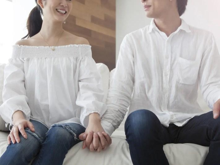 同棲をはじめたカップルのイメージ