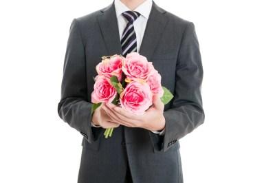 デートに誘う男性