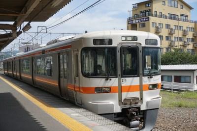 丹沢 電車