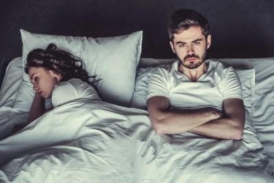 一緒に寝る夫婦