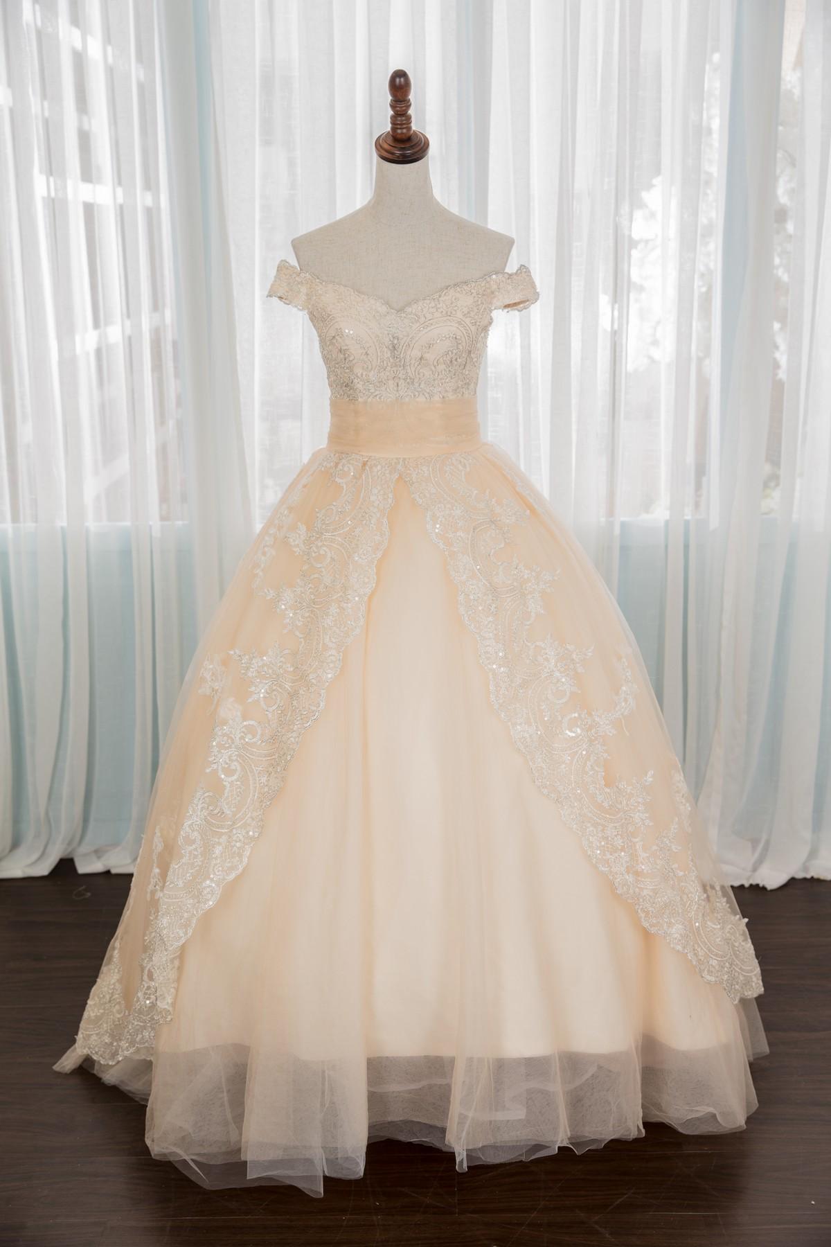 禮服出租:淡淡優雅香檳粉色公主袖卡肩手工晚禮服-婚宴款