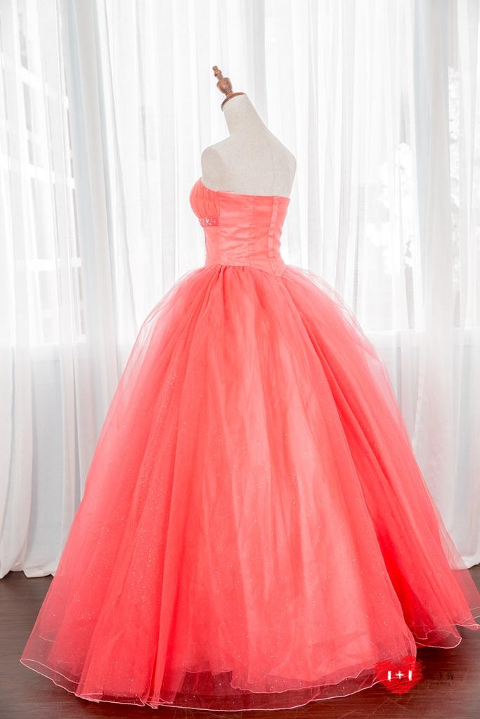 手工婚紗出租:冶豔心機晚禮服