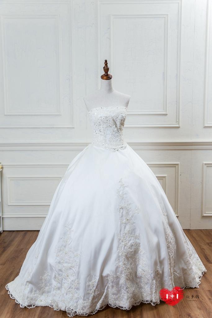 手工婚紗出租:浪漫風情婚紗