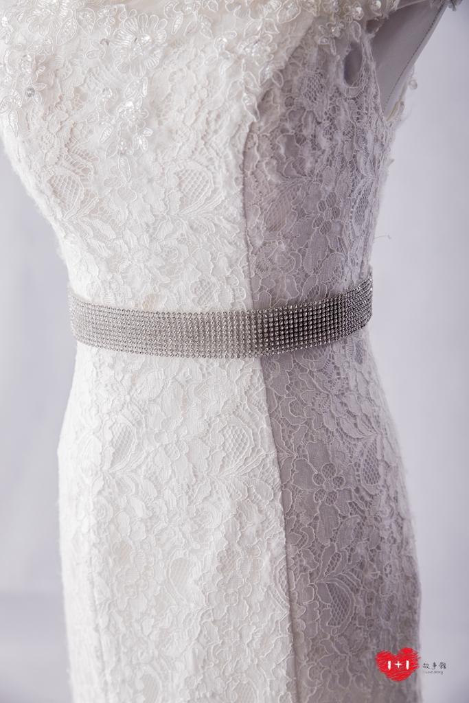 手工婚紗:氣質脫俗透膚白紗