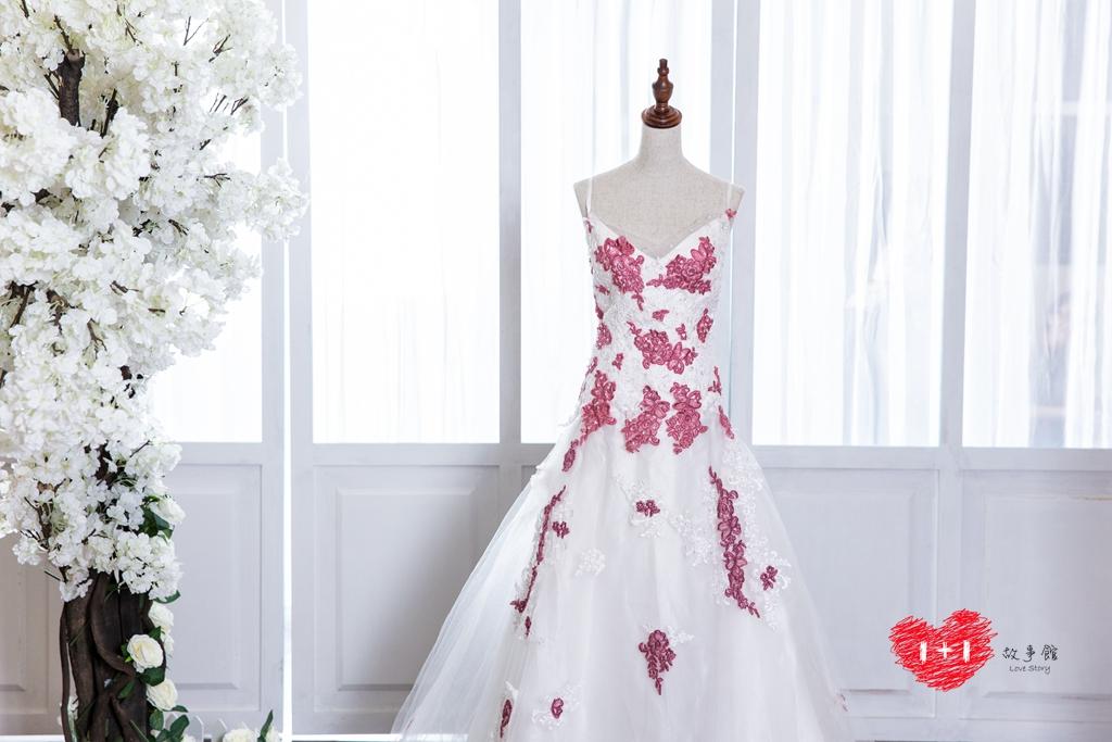 手工婚紗:帥氣蕾絲禮服