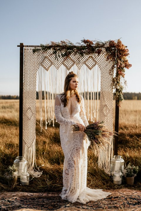 LoveStory Wooden wedding arch