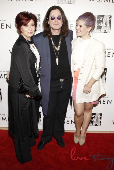 Sharon-Ozzy-and-Kelly-Osbourne