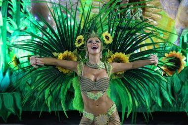 rio-carnival-2013-unidos-de-vila-isabel-53