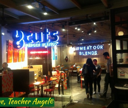 #TeacherEats@BGC: 8 Cuts Burger Blends BGC (Groupie Review)