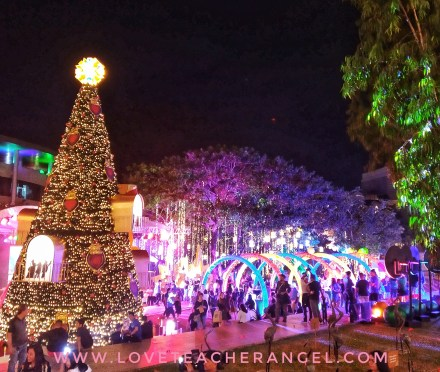"Teacher Insights: Experience and ""Light Up the Wonder"" at Filinvest City Christmas Celebration"