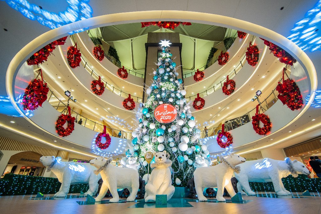 SM Supermalls Continues to give Creative Christmas Tree Centerpieces to Bring Hope and Light