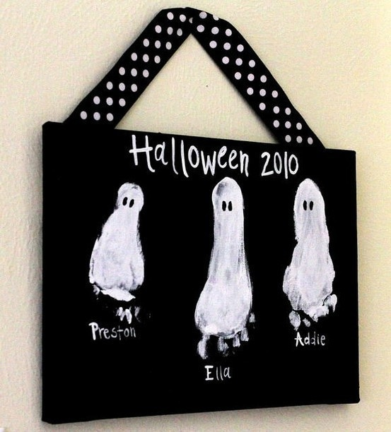 bron: http://indulgy.com/post/DCnIVVCKJ1/kids-crafts-halloween-diy#/carlene/Craft%20Ideas/from/74351945648