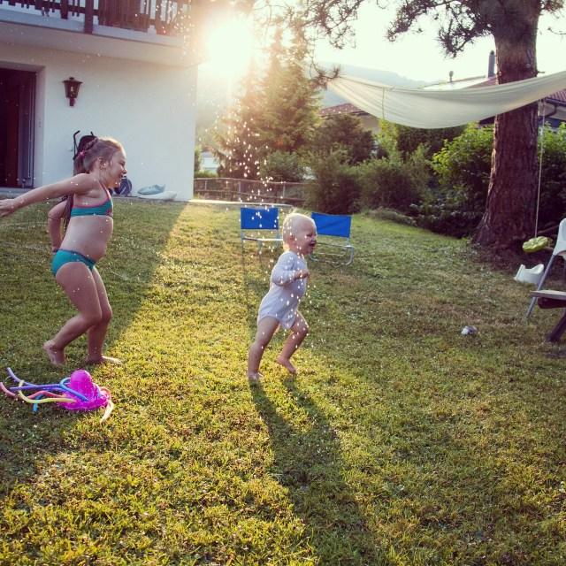 En na een heerlijke dag buiten, spelen we in de zon!