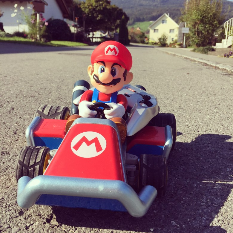 Eva kreeg ook een Mario Cart, te grappig!