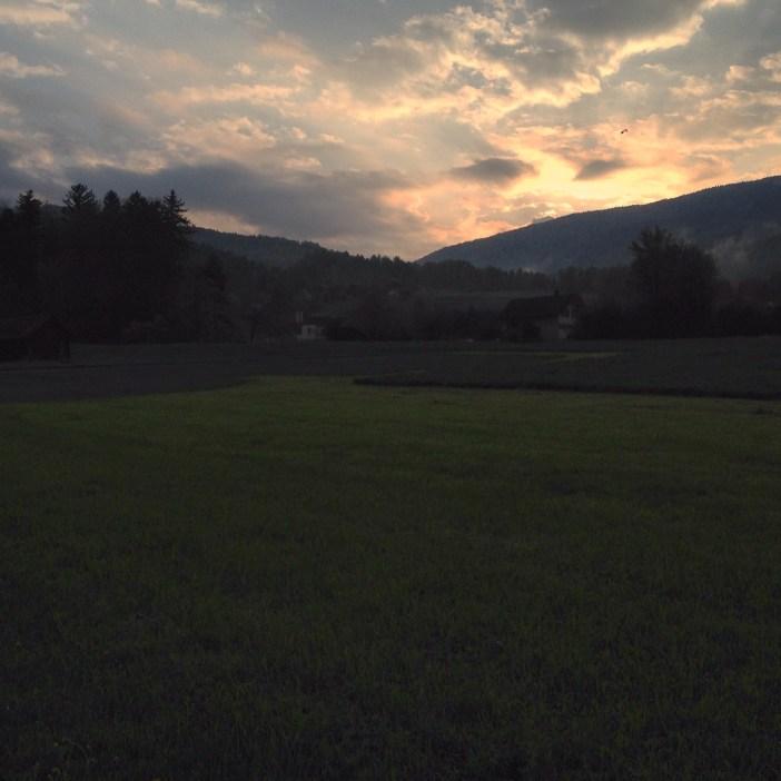 Dinsdagavond was het weer opgeklaard en ging ik een rondje hardlopen. Vond er niks aan, maar het uitzicht maakte veel goed.