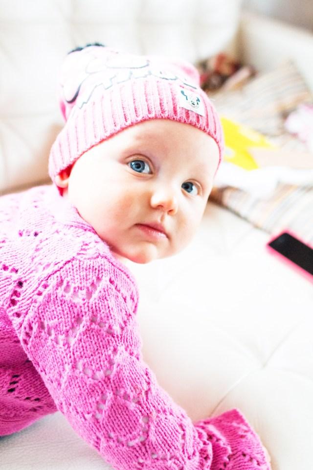 En toen we thuiskwamen maakte ik wat foto's voor haar outfitblog van afgelopen  dinsdag