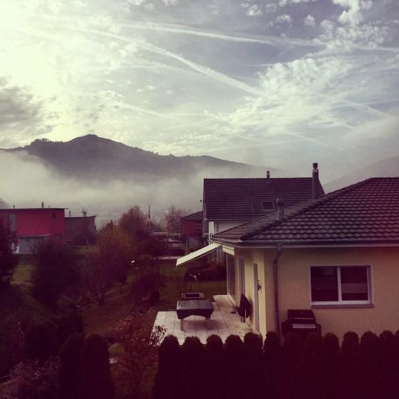 Hier zie je goed hoe de wolk in het dal hangt. Gelukkig klaarde het wel op!