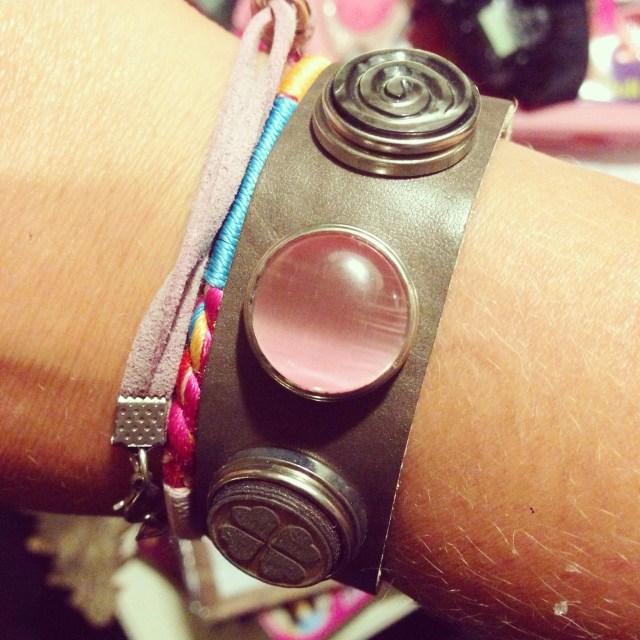Deze armband kreeg ik van m'n vriendinnen, zo lief