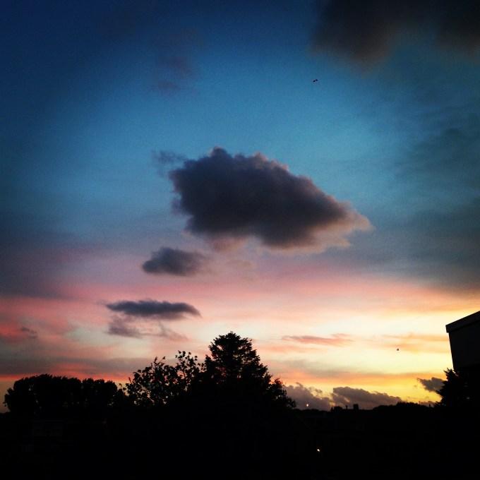 De zondag eindigde met een schitterende zonsondergang!