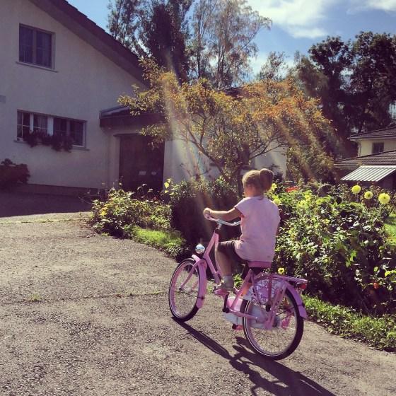 Donderdag fietst Eva zo op haar nieuwe fiets weg.
