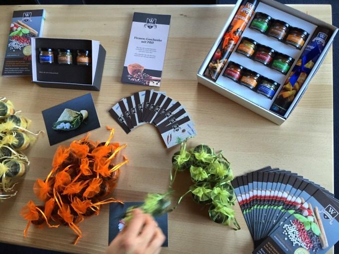 Daar worden we getrakteerd op inspirerende verhalen, heerlijk eten en gratis kruiden van wuerzmeister.ch
