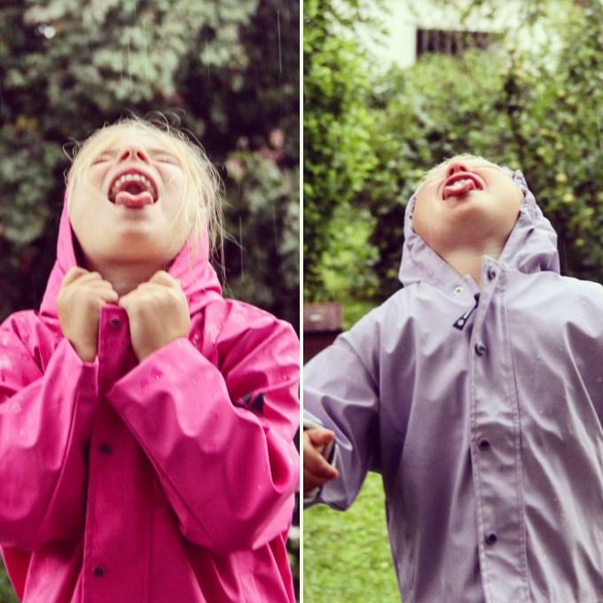 Dinsdagmiddag goot het, ik kon dus mooi de nieuwe jasjes van Leukeregenjasjes.nl testen!