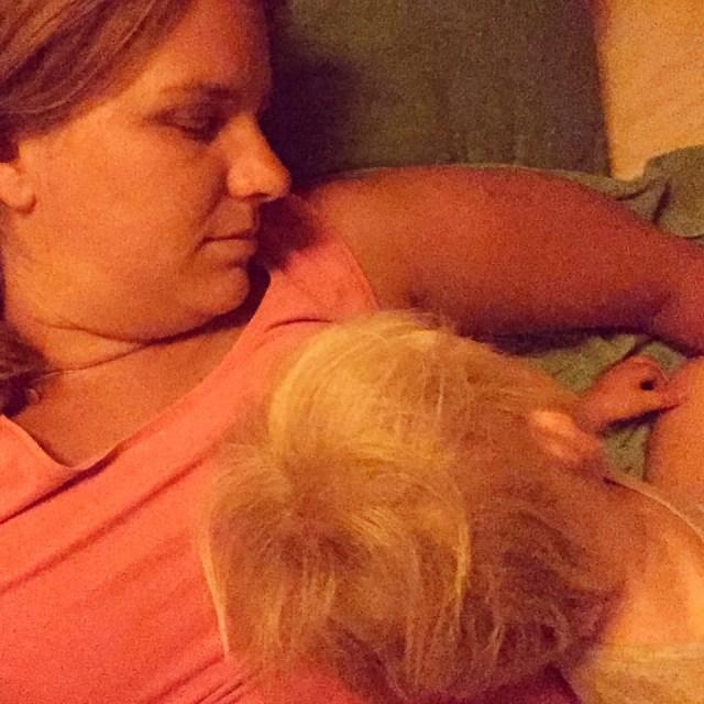 's Nachts 'slaap' ik zo en ligt Floris op de logeerkamer. Om 7 uur mag hij voor Liza zorgen en tuk ik nog twee uur verder